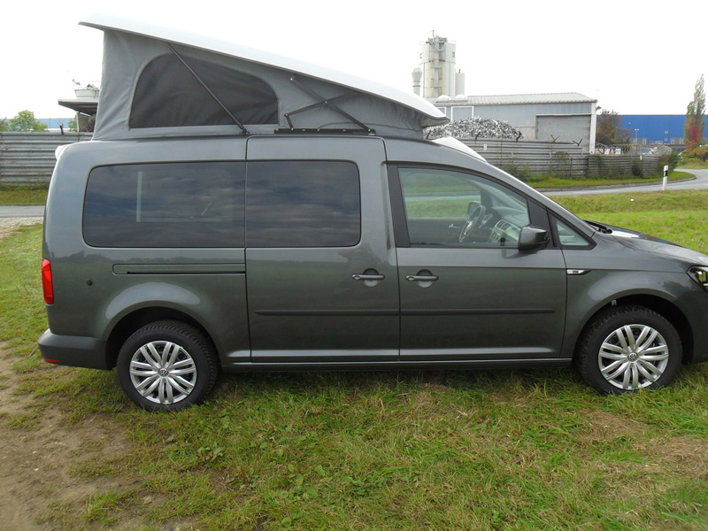 VW Caddy mit Austelldach